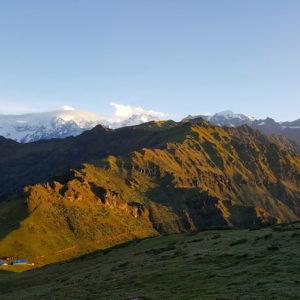 Pangsang Pass View Ruby valley trek